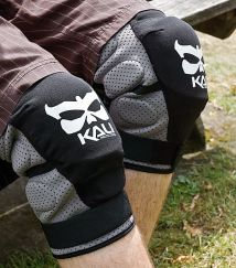 Kali Aazis soft knee guards