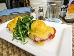 Best-Eggs-Singapore-prive-eggs-benedict